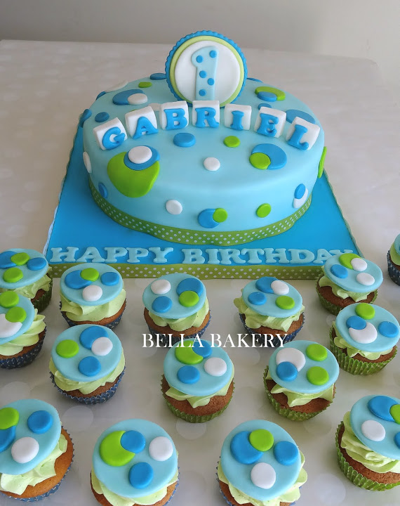 Cupcake Design For Birthday Boy : -: SPOTTY 1ST BIRTHDAY CAKE & CUPCAKES