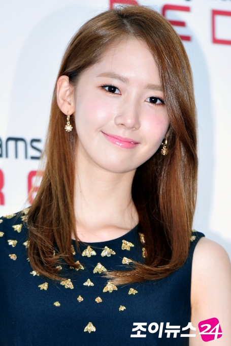 130808+yoona+at+samsonite+red+2013+fw+presentation+event+press+pictures+(32).jpg (455×680)