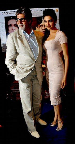 Amitabh & Deepika Promote Aarakshan movie photos