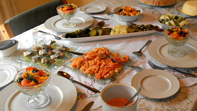 Smoked salmon, salt herrings, pickles, prawn cocktail, salads
