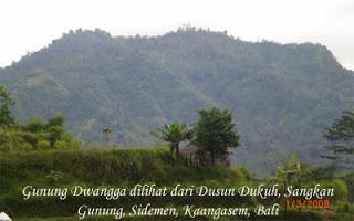 View Gunung Dwangga dari Banjar Dukuh