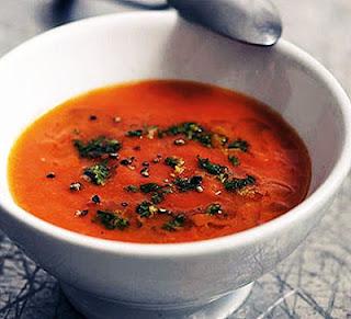 Tomatsoppa med minispenat