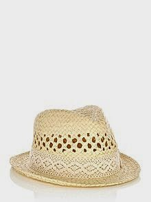 great summer hat for anyone with scalp psoriasis