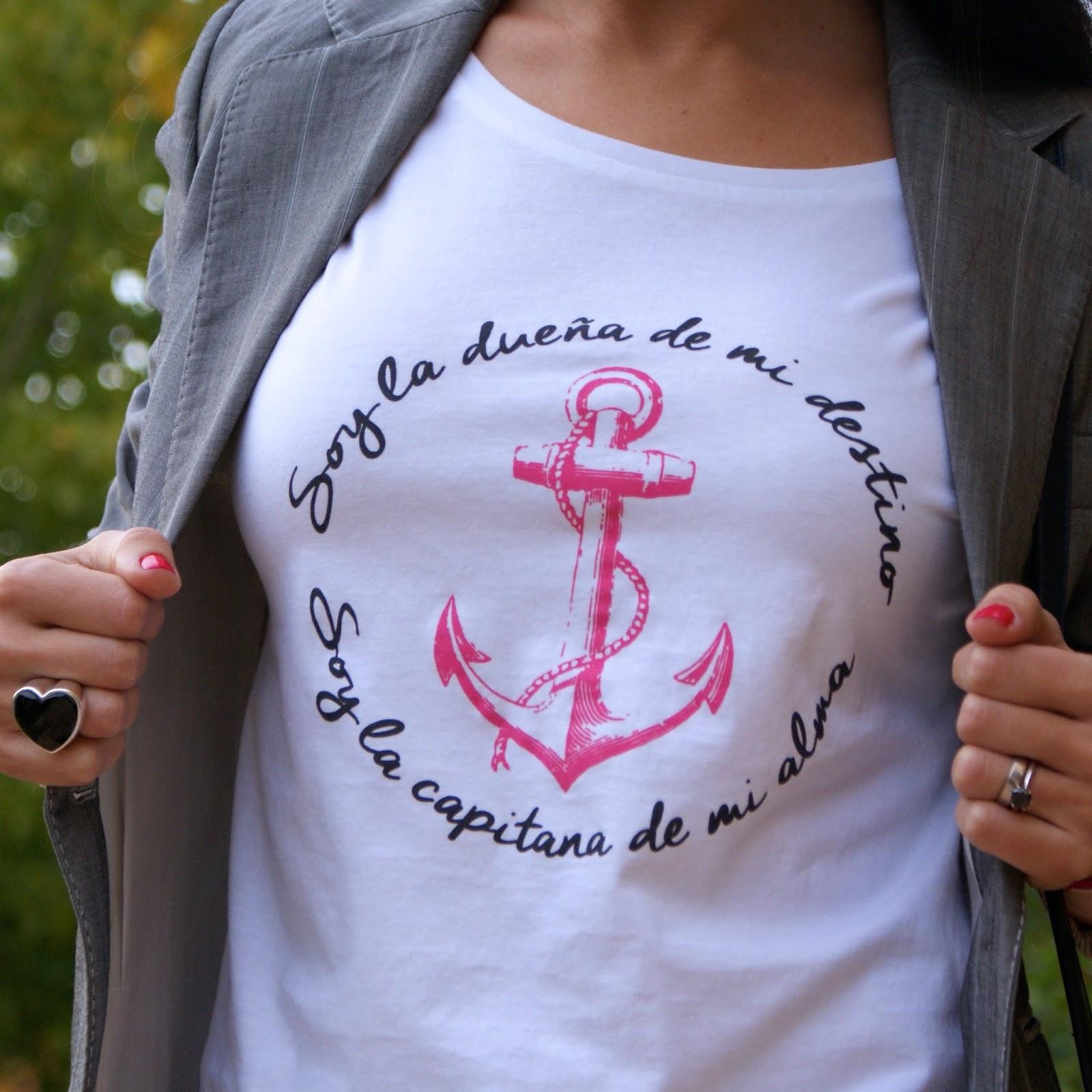 Miss Calamidades, camisetas con mensaje