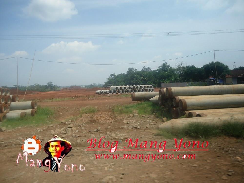 Poto ini saya jepret di Proyek Tol Desa Balingbing, Subang