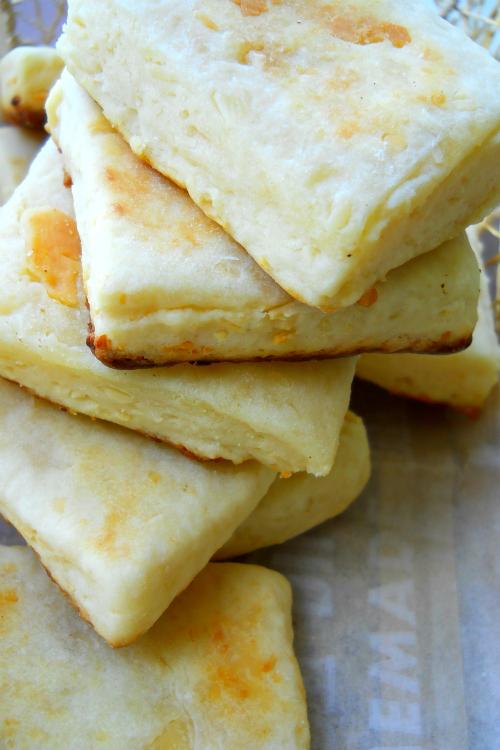 Sweet Tidings: Recipe: Cheddar Cheese Scones