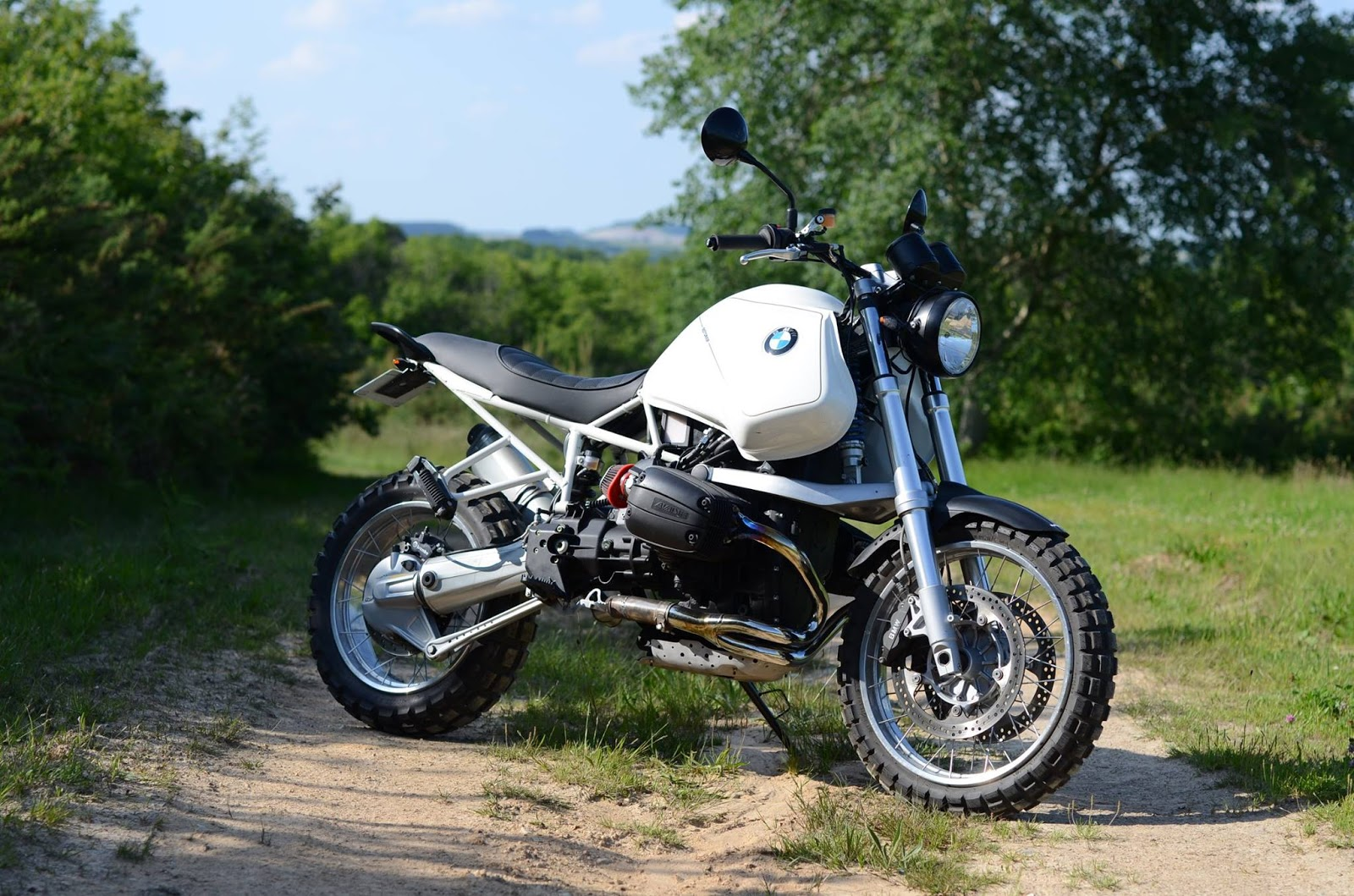 Racing Caf       BMW    R   GS    by Motorieep
