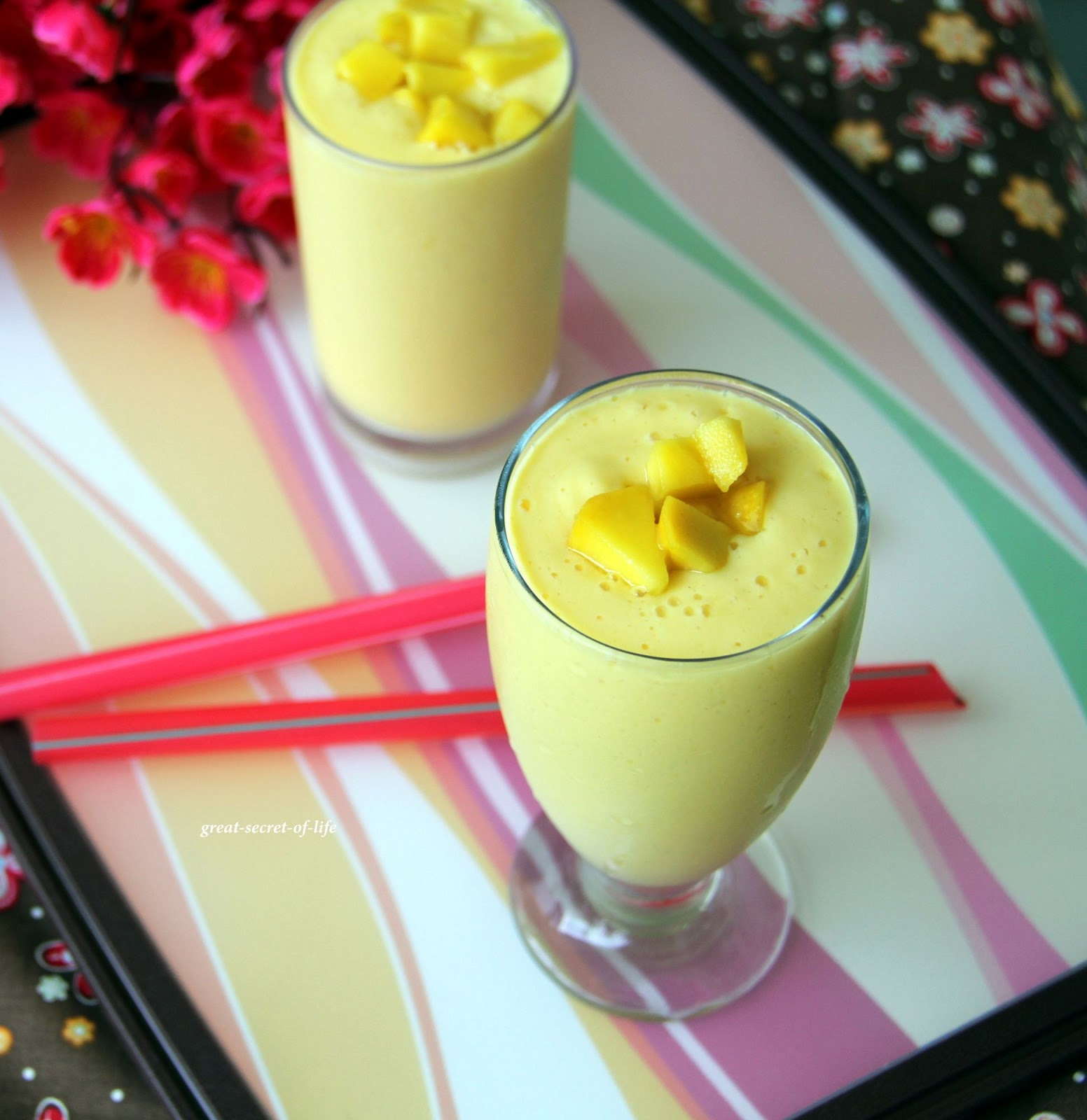 Great-secret-of-life: Mango Lassi - Mango Yogurt drink