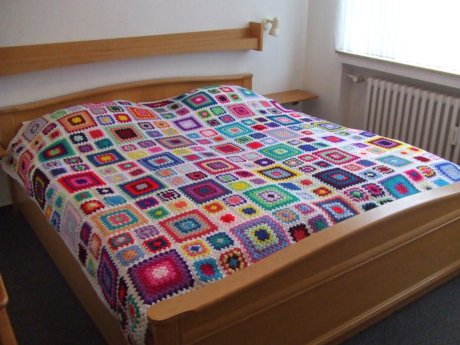 My world of crochet: Multicolor Granny Square Bedspread is finished!!!