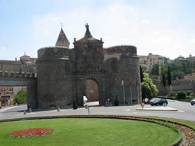 Toledo ciudad puerta bisagra