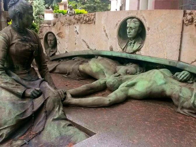 musica, teatro, passeggiate, eventi gratuiti nel weekend al cimitero monumentale di milano