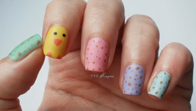 Speckled Mini Egg Nails