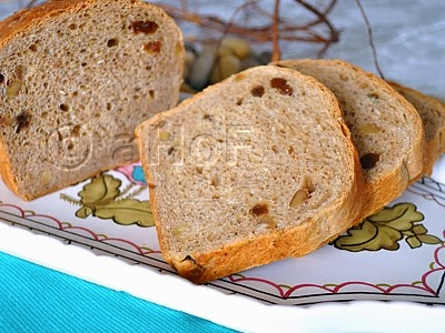 Oatmeal Raisin Walnut Bread