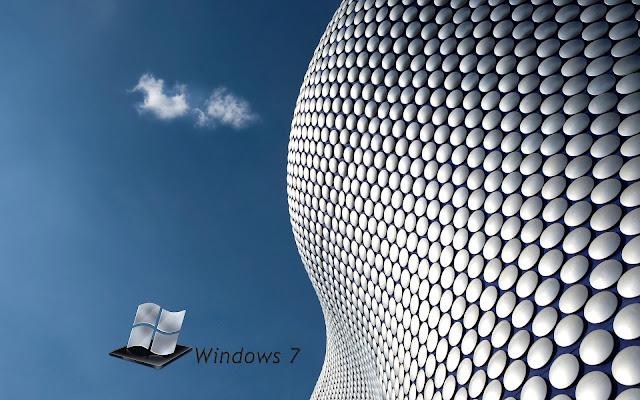 Blauw witte Windows 7 wallpaper met blauwe lucht in 3D objecten