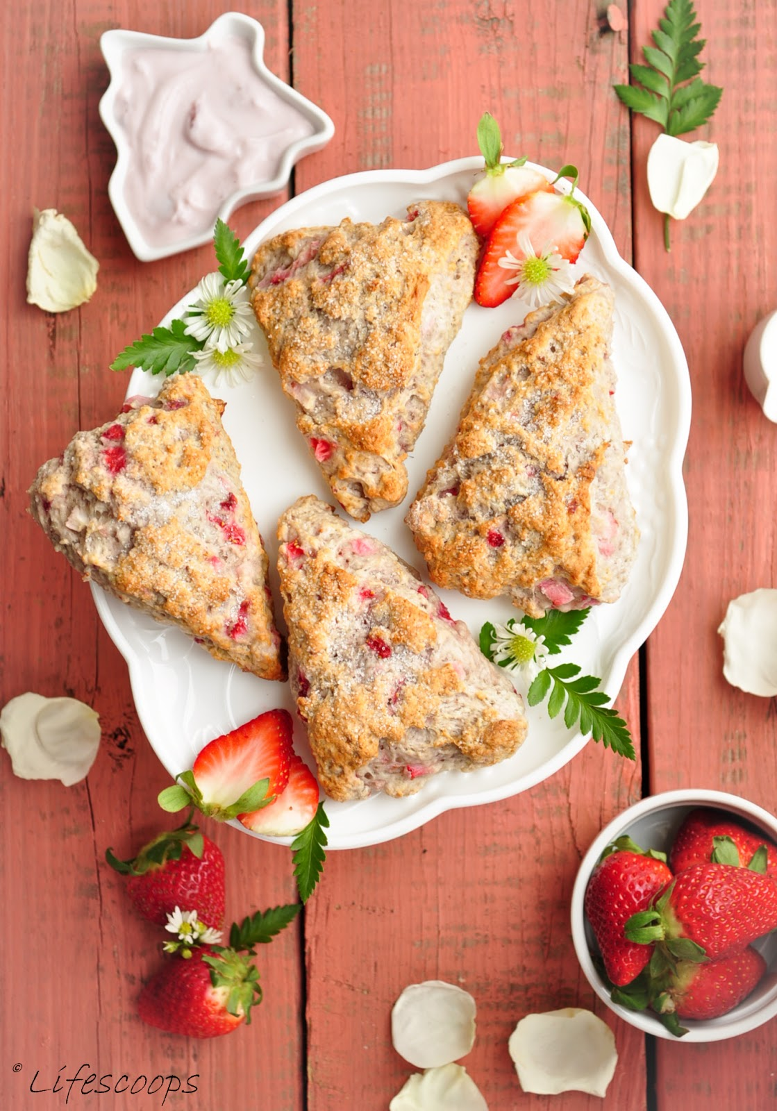 Life Scoops: Low Fat Greek Yogurt Strawberry Scones (Egg Free) + Tips ...