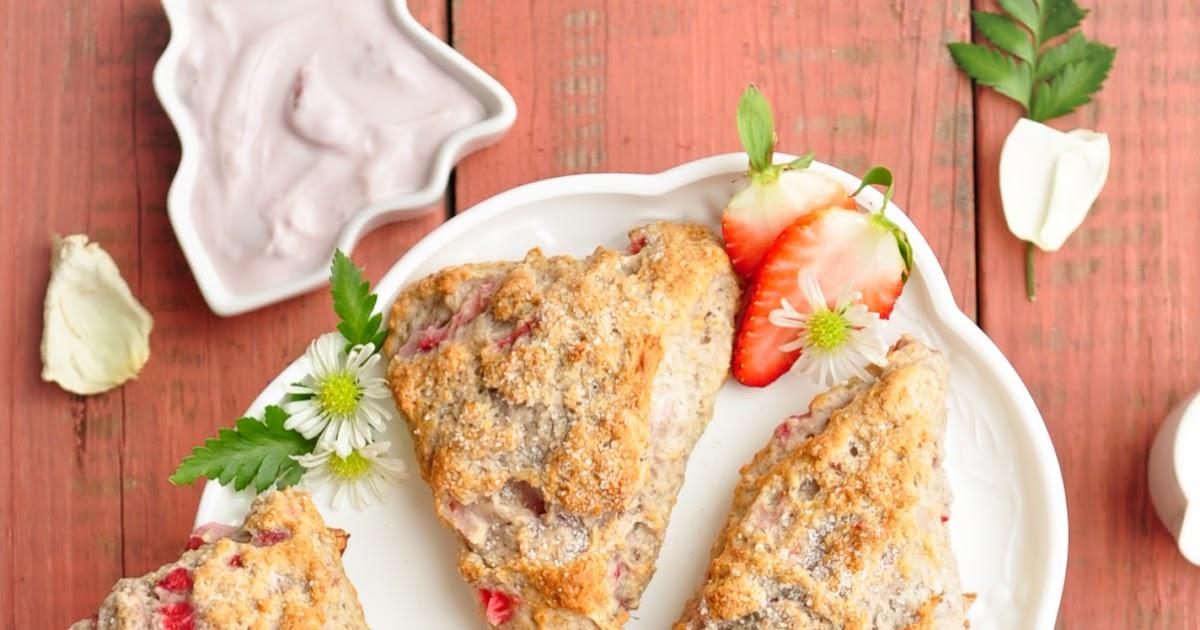 Life Scoops: Low Fat Greek Yogurt Strawberry Scones (Egg Free) + Tips ...