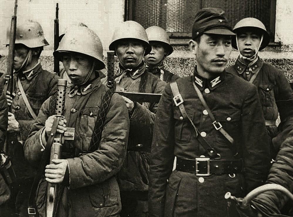 http://1.bp.blogspot.com/-8CubhHwAM68/UEAjzsCdi4I/AAAAAAAADY0/SJd-k6-bTsc/s1600/Japanese.soldiers.jpg