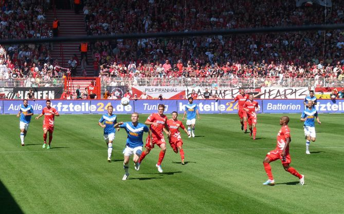 fantastic supporters 1 2 blamage bei union berlin ab heute 14 47 uhr ist funkel und der vfl. Black Bedroom Furniture Sets. Home Design Ideas
