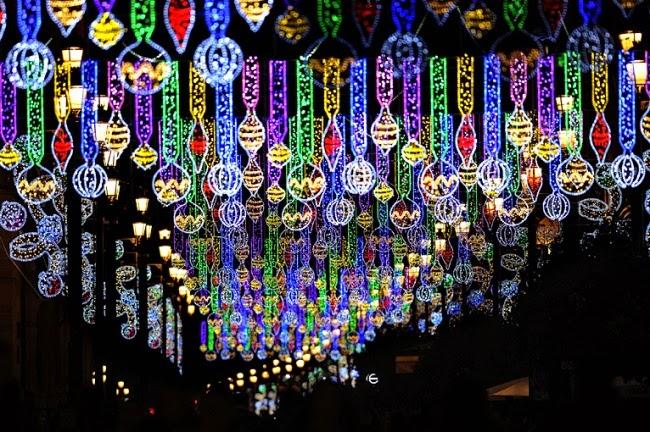 Рождество на одной из улиц в Севилье, Испания