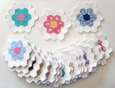 double ring hexagon flowers for grandma's flower garden quilt