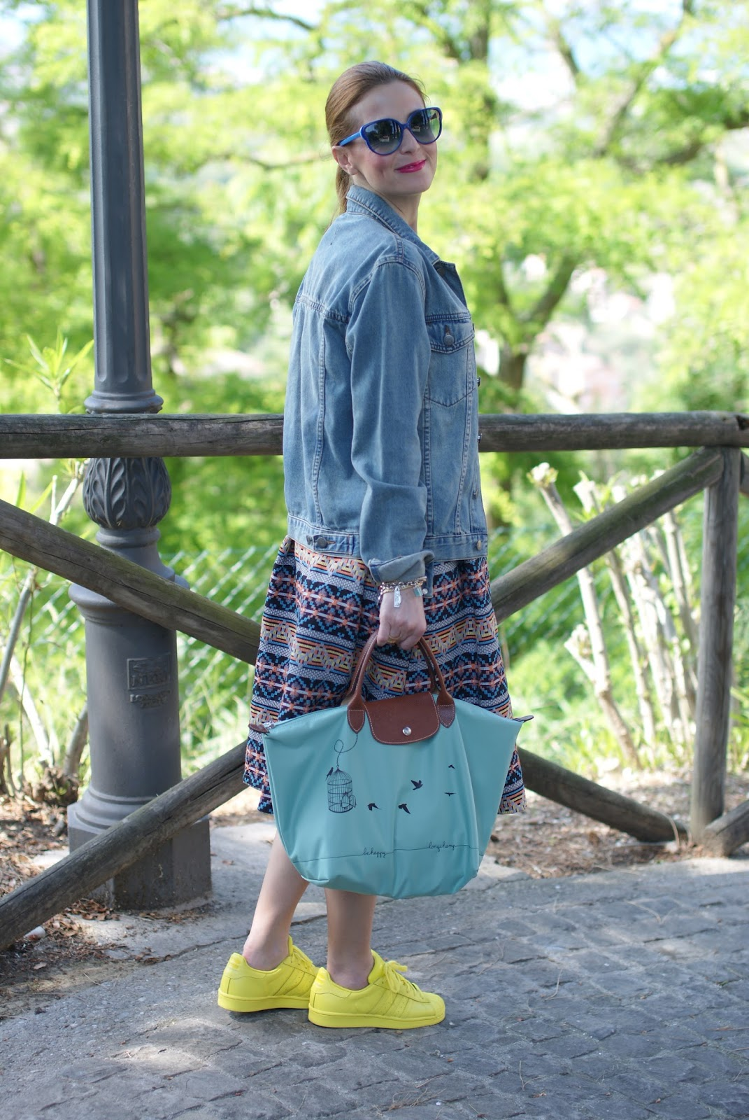 Le Pliage 2015, Longchamp Le Pliage cage aux oiseaux bag, jacquard midi skirt, denim jacket, Fashion and Cookies fashion blog