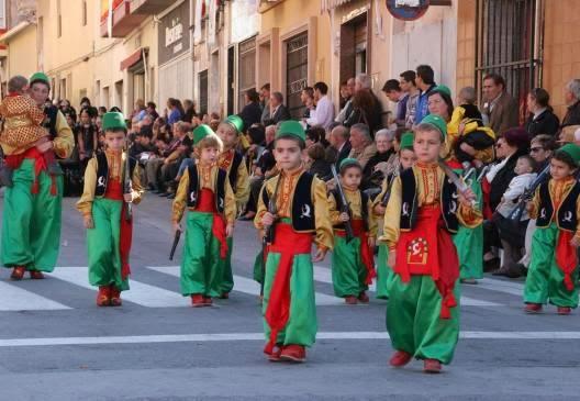 Fiestas de moros y cristianos monforte del cid a una - Casas prefabricadas monforte del cid ...