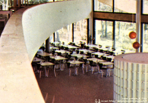 "Chaises ""Série 7""  Designer: Arne Jacobsen - Editeur: Fritz Hansen"