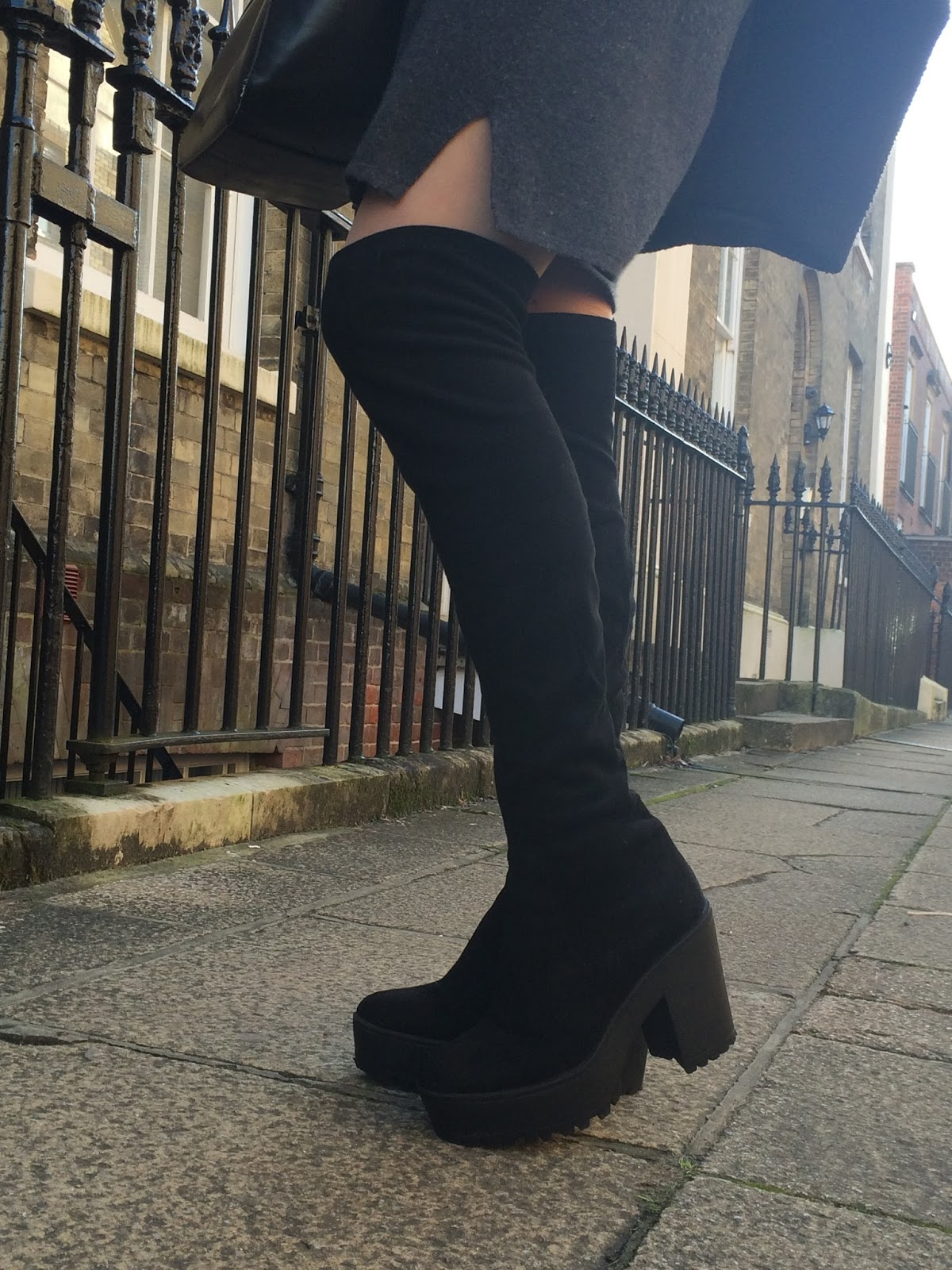 ootd, outfit post, details, over knee suede public desire boots, black zara handbag, look, fashion blogger