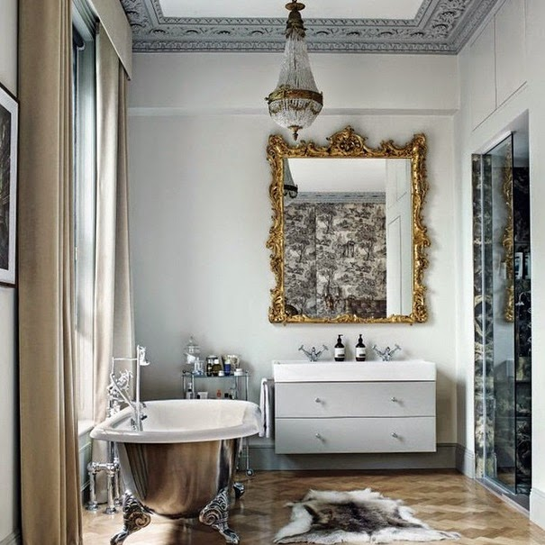http://www.lush-fab-glam.com/2015/08/beautiful-bathroom-decor-metallic-clawfoot-bathtubs.html