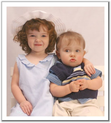 Download lovely little babies sharing love baby girl and boy free