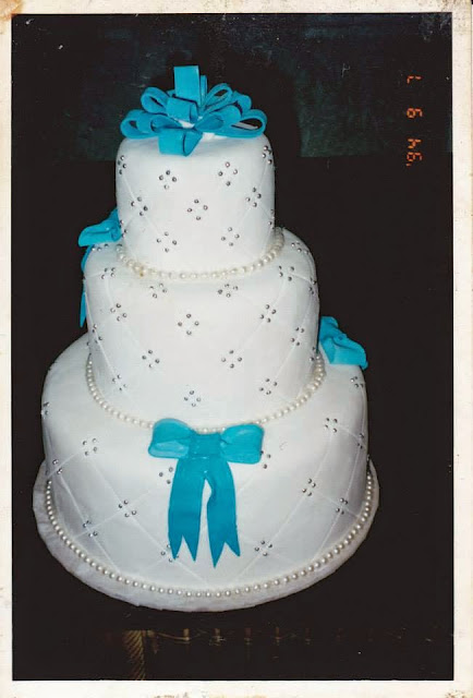 Fondant wedding cake from Bakerite Manila