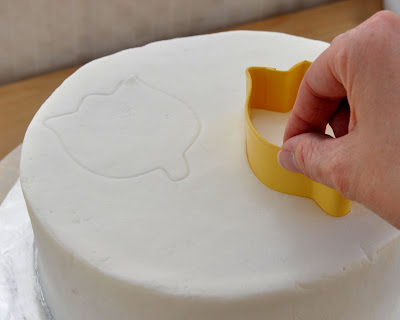Simple White Cake Design : Beki Cook s Cake Blog: Cake Decorating 101 - Easy Birthday ...