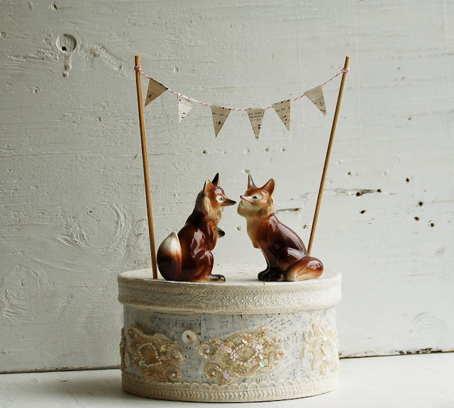 https://www.etsy.com/listing/175764834/vintage-fox-wedding-cake-topper-bride?ref=shop_home_active_5