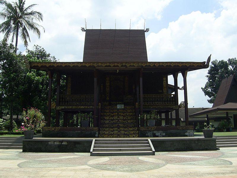 Filosofi Rumah Adat Banjar
