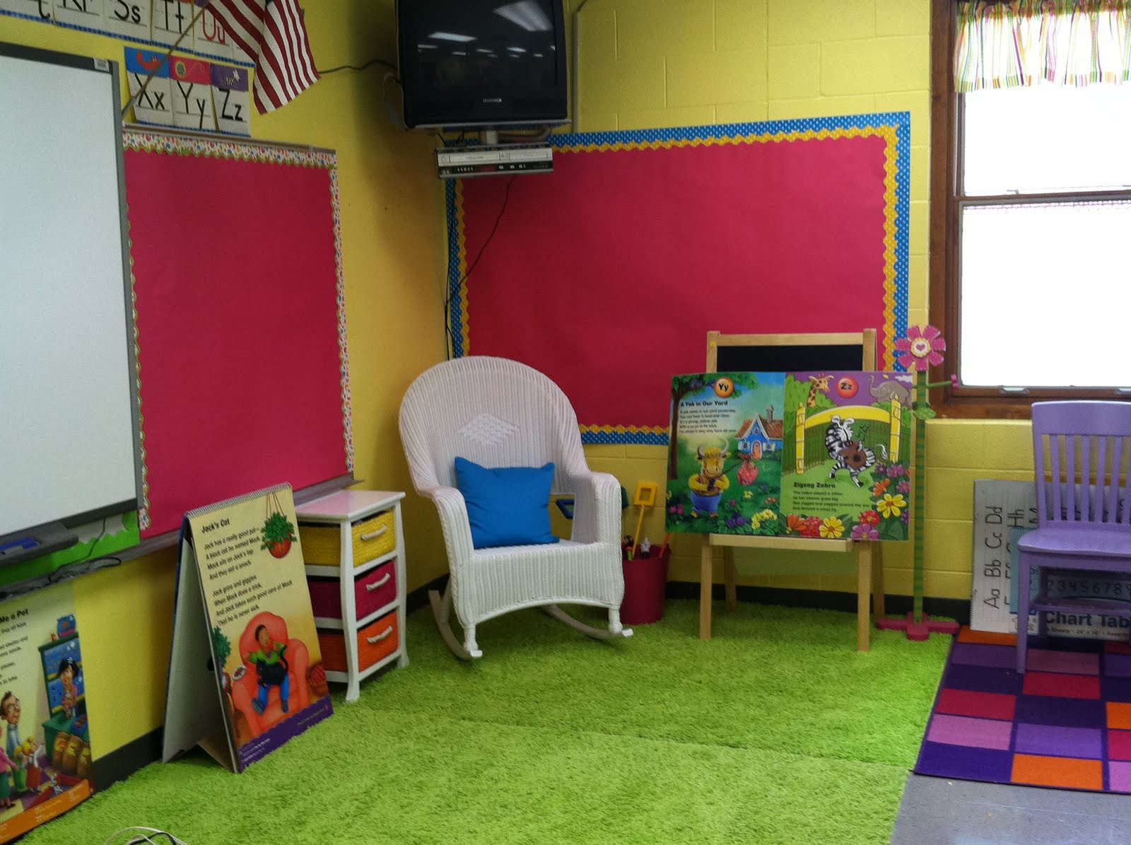 Classroom Decoration Ideas For Grade 1 ~ Life in first grade classroom decorating day three