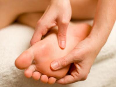 Kenapa telapak kaki mudah geli?