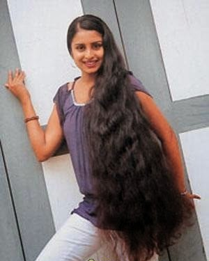 Gayathri Rajapaksha long hair