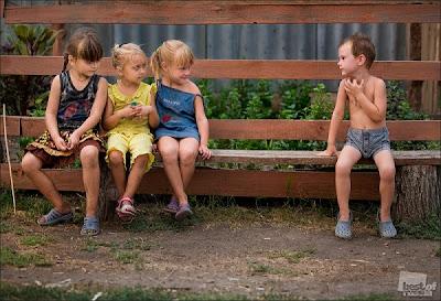 Volim te kao prijatelja, psst slika govori više od hiljadu reči - Page 2 Deca%2Brusija