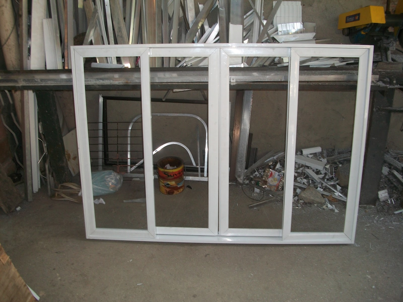 #5B4F3D  como se faz esquadrias de aluminio: janela de correr 4 folhas 2 4092 Fecho Tipo Orelha Para Janela De Aluminio De Correr