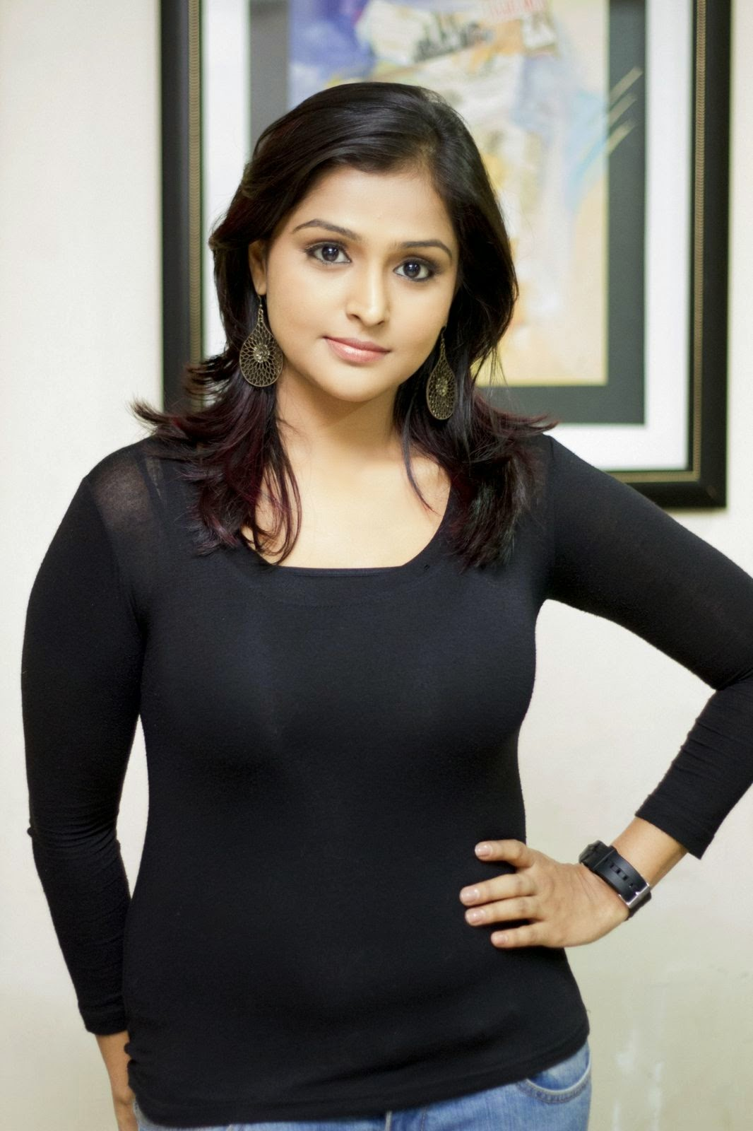 Ramya Nambeesan latest Glamorous photos-HQ-Photo-1
