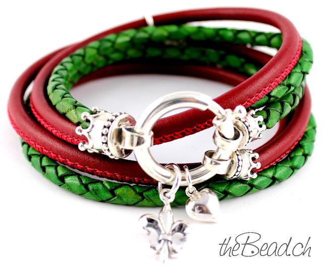 Ausgefallenes Damen Lederarmband mit geflochtenem Leder in gruen und rot