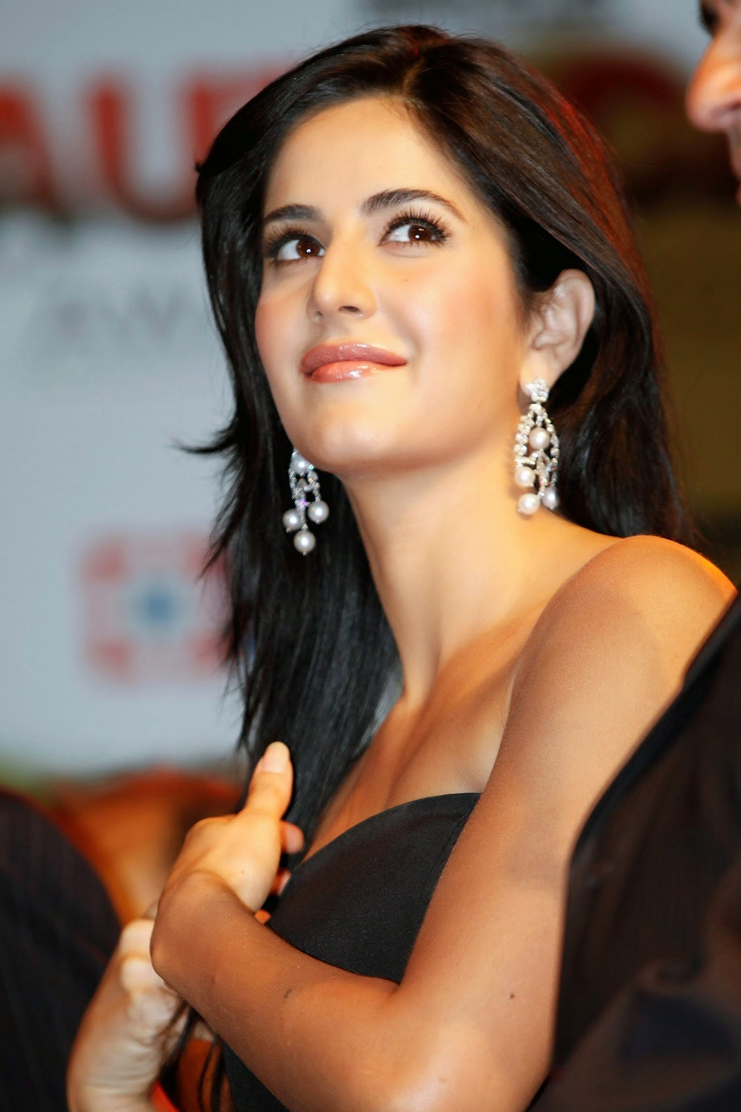 Katrina Kaif Gorgeous In Black Skirt At The India Autocar Awards in Mumbai