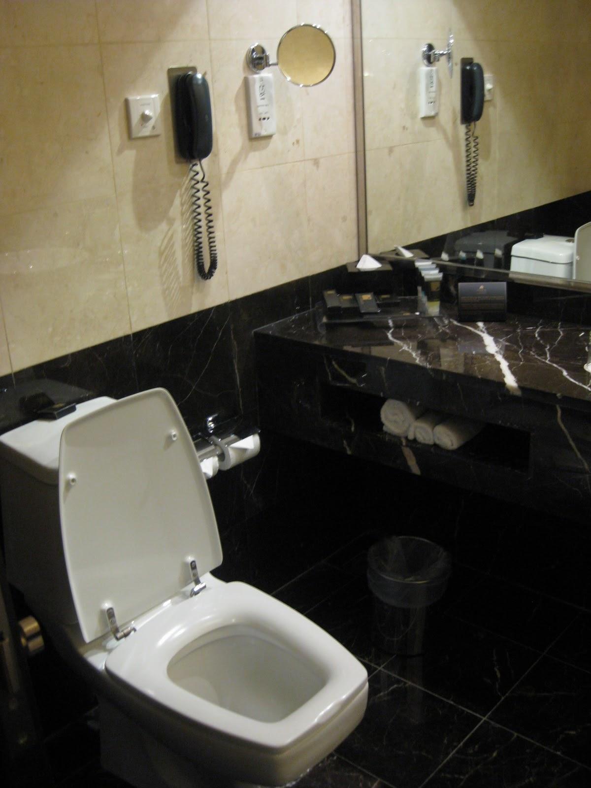 Dividindo a Bagagem: Hotel em Kuala Lumpur Impiana KLCC Hotel #605130 1200x1600 Banheiro Compartilhado Em Hotel