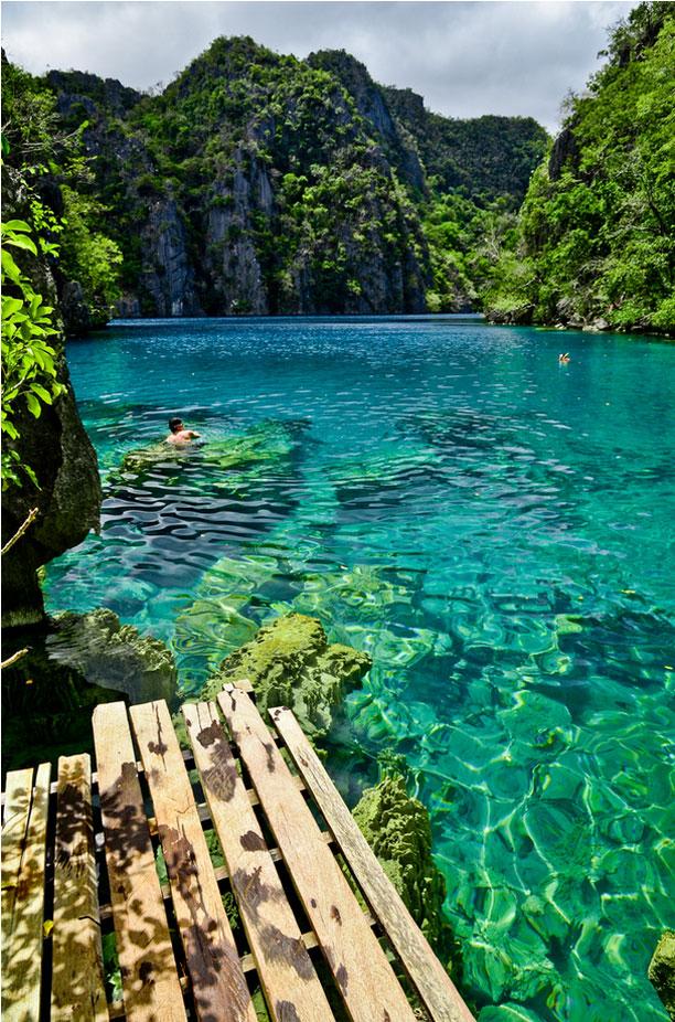 http://1.bp.blogspot.com/-8G7K46KAnLw/ULu8PZVoLwI/AAAAAAAAMSw/hIhUwQQh5CA/s1600/Kayangan-Lake-Coron-islands-Palawan-Philippines.jpg