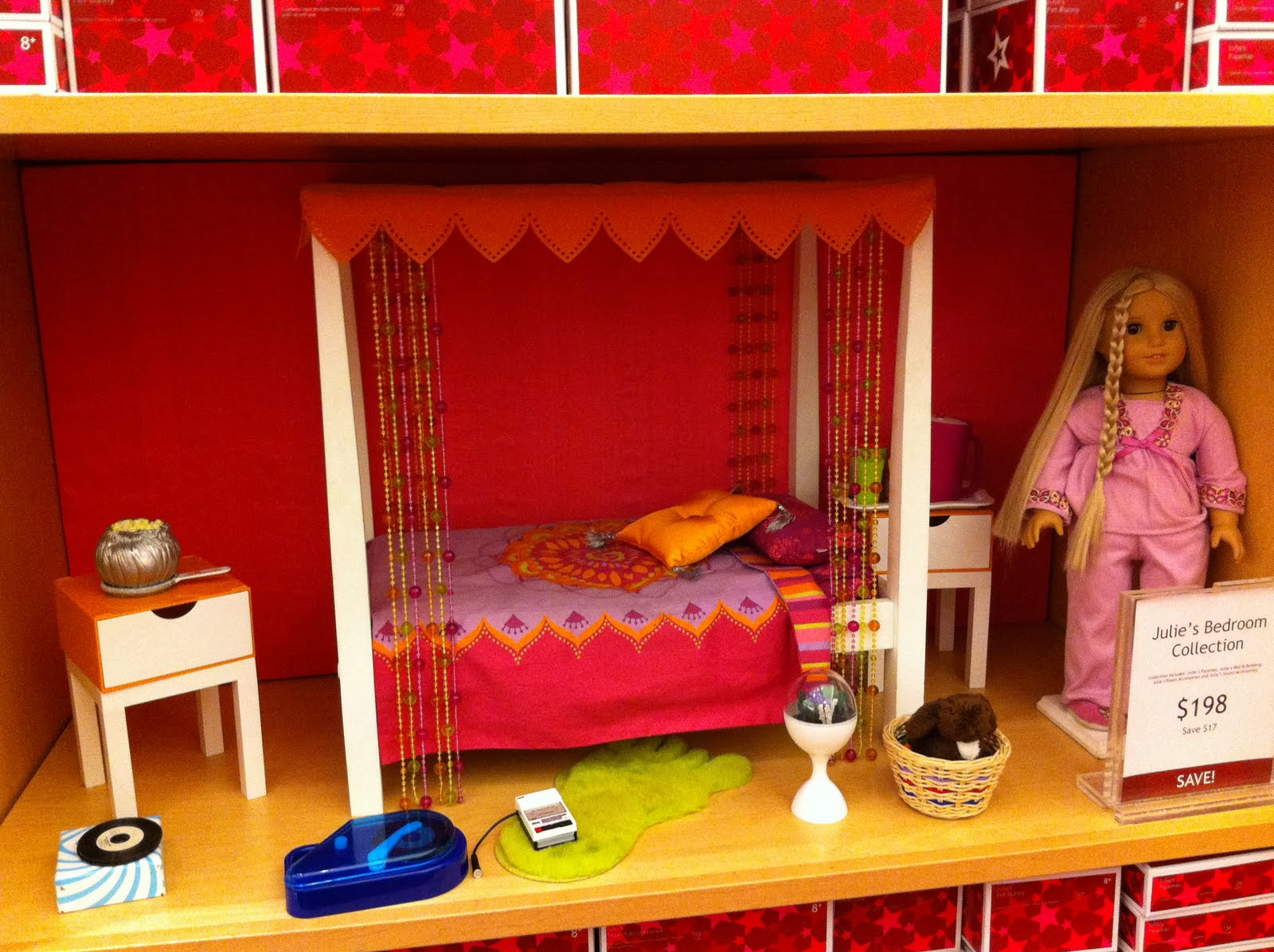 I think Julie s room is kind of cool. My AG s Life    American Girl Chicago