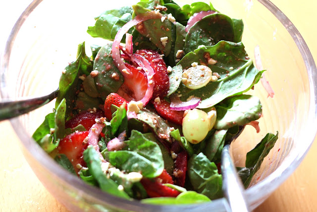 Spicy Spinach Fruit Salad with Strawberry Grape Vinaigrette recipe by Barefeet In The Kitchen