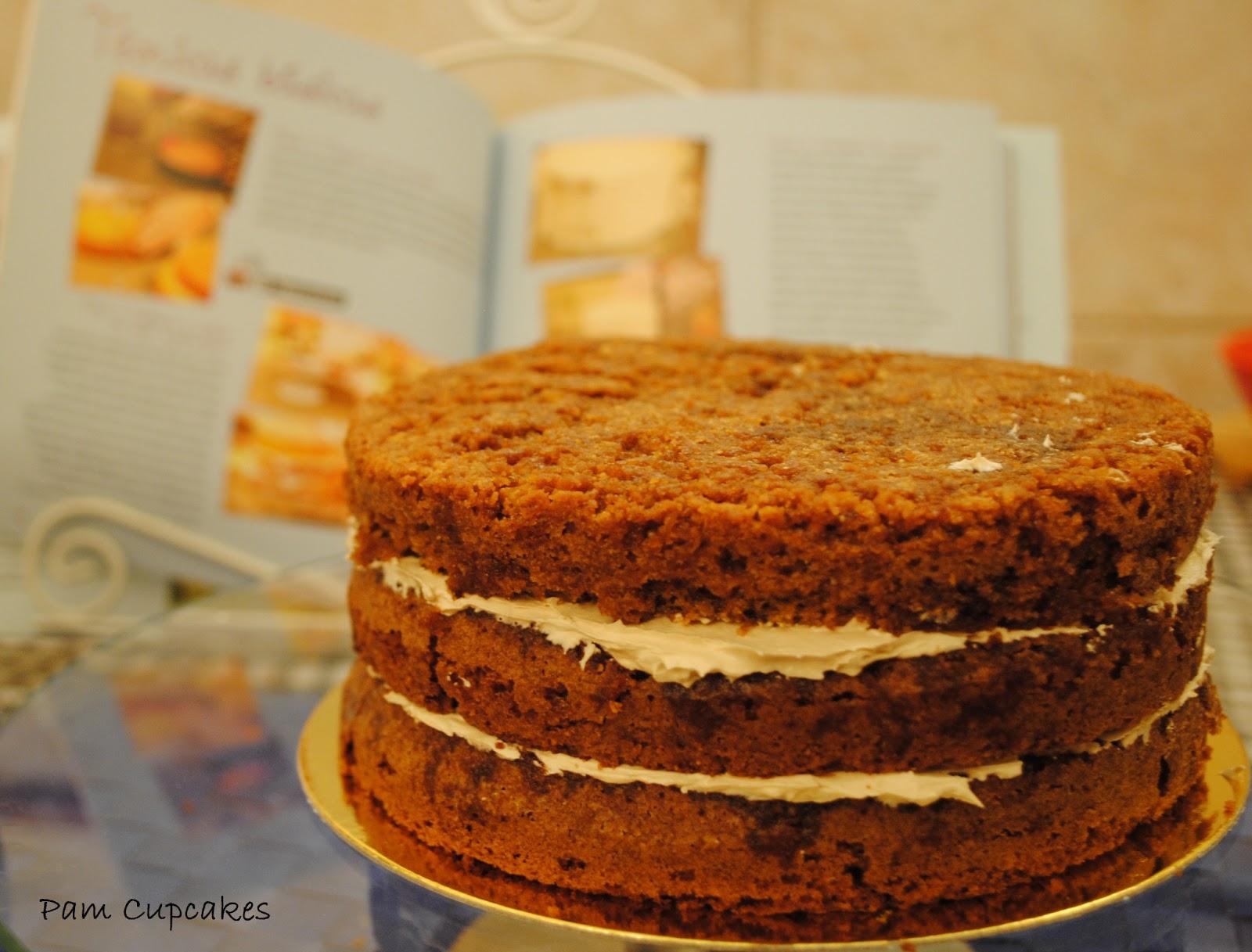 Layer cake de almendras y café