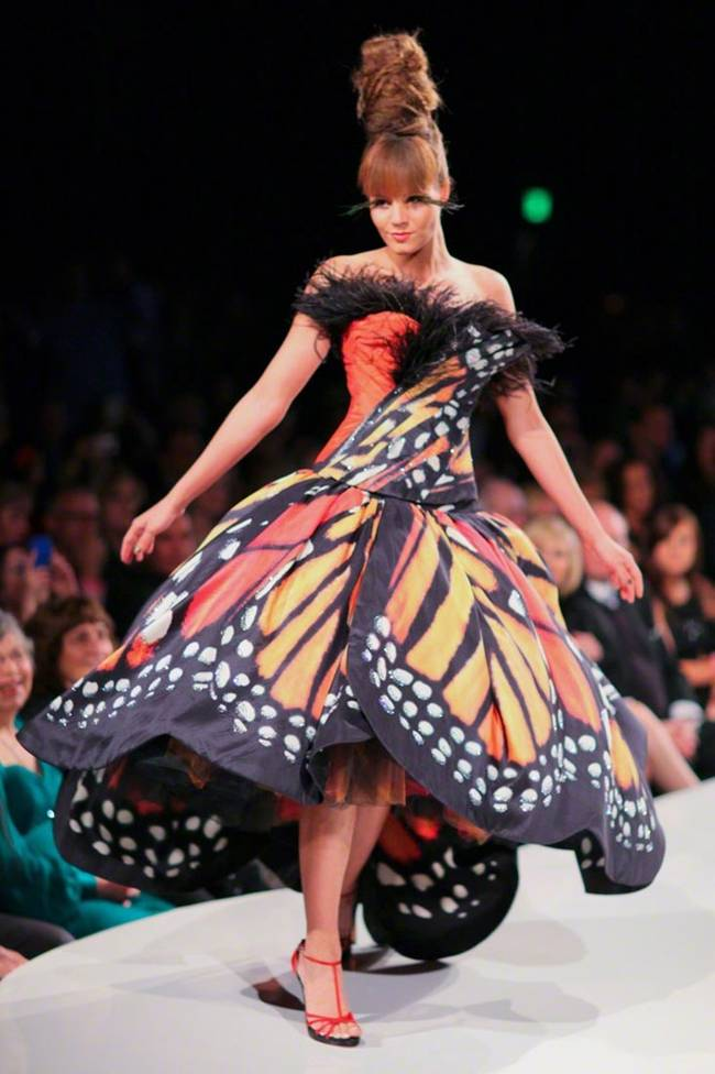 The Monarch Butterfly dress, created by Seattle, WA based couture designer Lily Wang, is part of her Metamorphosis collection. The structure of the dress is designed to make the wearer appear as if they are a butterfly floating over a blossom. It's absolutely stunning and incredible. Getting that butterfly feeling in my tummy – you know, the one you get when you are in love?!! Pun intended.
