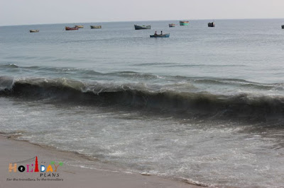 Fishermen in boats near Dhanushkodi
