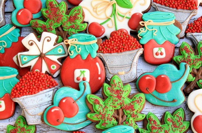 Decorated Cherry Jam Cookies Tutorial